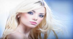 όμορφα ξανθά μαλλιά