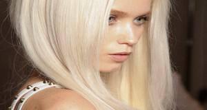 πλατινέ ξανθά μαλλιά