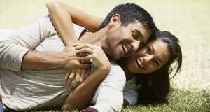 πώς να καταλάβεις αν σε αγαπάει