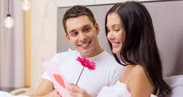 Πώς να κάνετε μια σχέση γνωριμιών τελευταία καθρέφτης Τριάδα ραντεβού