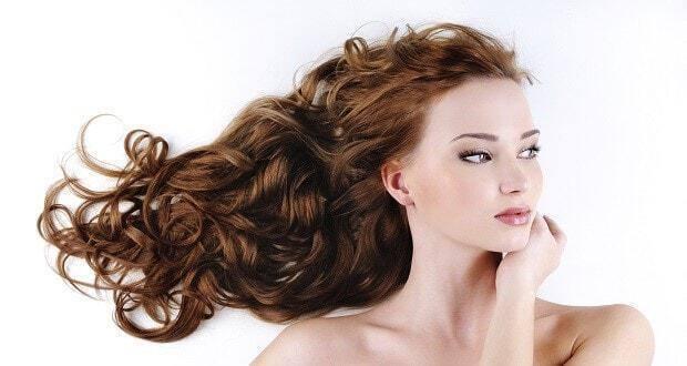 εύκολα χτενίσματα για σγουρά μαλλιά