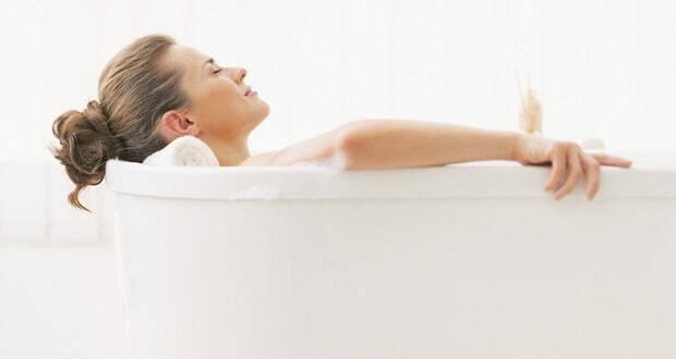 χαλαρωτικό μπάνιο με αιθέρια έλαια