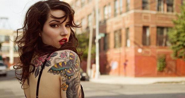 τατουάζ-υπέρ-κατά