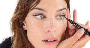 πώς να μείνει το eyeliner